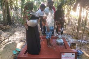 BANGLADEŞ'te Bağışçılarımızın Yardımları ile 4 Yeni Su Kuyusu Daha Açıldı
