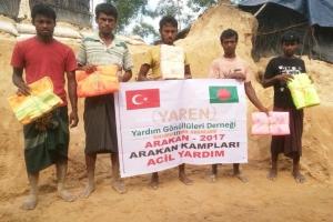 Arakan Kamplarında Cibinlik Dağıtımı Gerçekleştirildi