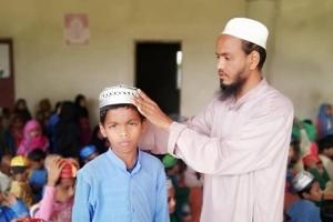 Yarender BANGLADEŞ' de Yetimhanede