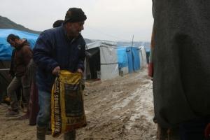 Hırbutul Cevz´de, Kömür ve Gıda Dağıtımları Devam Ediyor
