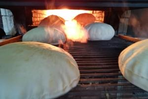 Kamplarda Ekmek Dağıtımız Devam Ediyor.