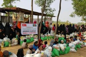 ARAKAN Kamplarında Gıda Yardımı Gerçekleştirdik