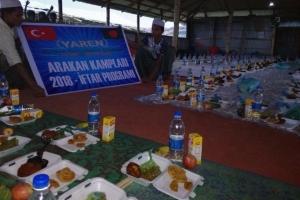 Mazlum Arakan Halkına, Sizlerin Destekleri ve Yardımları ile İftar Yemeği İkram Edildi
