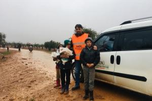 Azez' de Yardım Dağıtımı Gerçekleştirildi