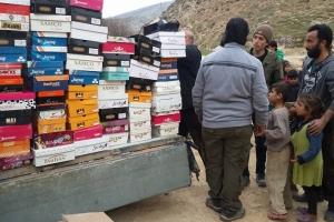 Dernek Yönetimimiz Suriye de Çocuklara Ayakkabı Dağıtımı Gerçekleştirmiştir