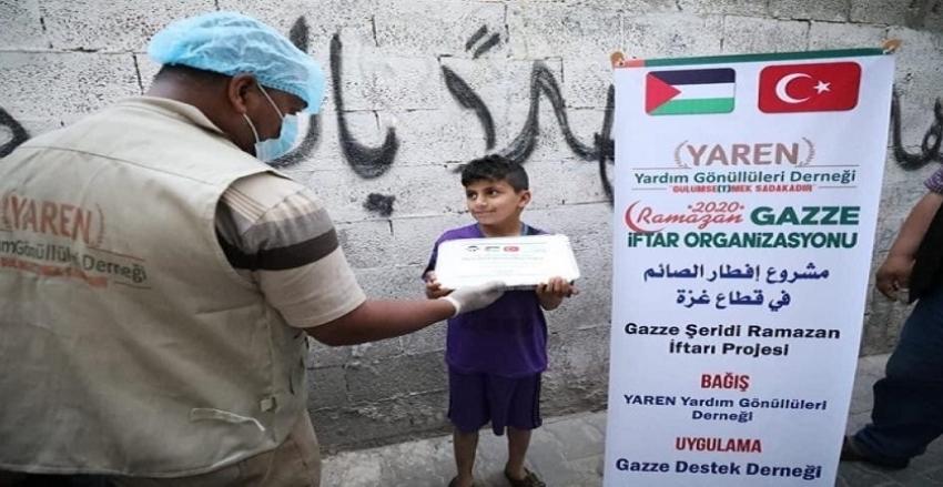 Gazze'de iftar sofraları kuruldu